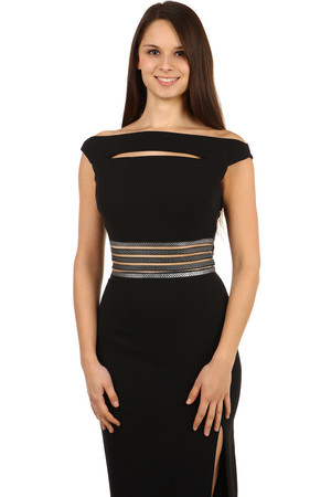 Extraordinary dress with interesting neckline. Waist with Greek pattern and perforation. It can be worn in two ways, see