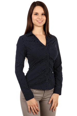 Gentle polka-dot long-sleeved shirt with collar and button fastening. Import: Italy Material: 72% cotton, 23% polyamide, 5%