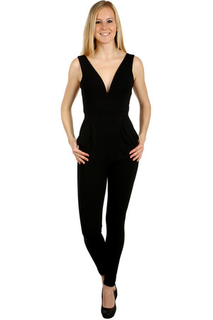 Women's long, deep-necked overalls with pockets on the side. Back zipper on. Import: Italy Material: 92% polyester, 8%