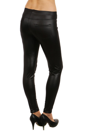 Extravagant ladies shiny leggings with zippers as decoration. Back pockets. Material: 85% polyamide, 15% elastane.