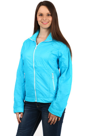 Lightweight ladies jacket suitable for sports (running, hiking ..) and casual wear. Zip fastening. Design without hood. The