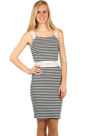 Modern striped dress with zip fastening. Lace waist and straps. Material: 70% polyester, 25% viscose, 5% elastane