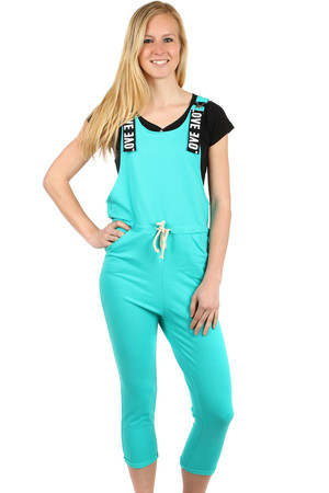 Summer ladies' overall with braces. Front pockets and drawstring. The upper part looser. Braces cannot be set lengthwise.
