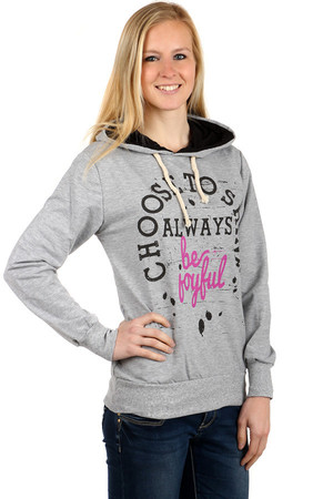 Modern sweatshirt with print and hood. Pockets on the sides. Material: 95% cotton, 5% elastane. Import: Turkey