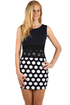 Fashionable dress with polka dots and lace at the waist. Material: 94% polyester, 6% elastane Import: Italy