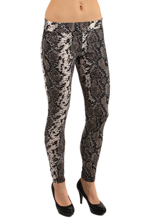 Patterned ladies leggings with flint application. Material: 65% cotton, 30% polyester, 5% elastane