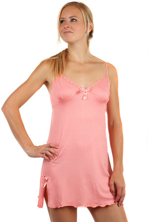 Polka dot nightgown with slit and ribbon in neckline. Adjustable straps. Material: 95% viscose, 5% elastane