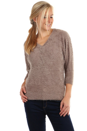 Hairy sweater with 3/4 sleeves. Comfortable material. Material: 60% acrylic, 30% cotton, 10% elastane.