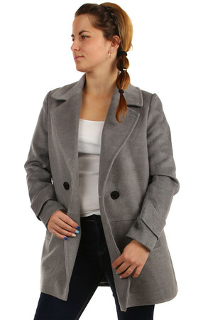 Short ladies oversized coat button. Design without hood. Suitable for winter. Material: 77% polyester, 20% viscose, 3%