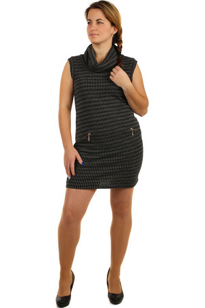 Sleeveless Knitted Dress. False pockets. The universal design corresponds to the size of M-XXL. Material: 95% acrylic, 5%