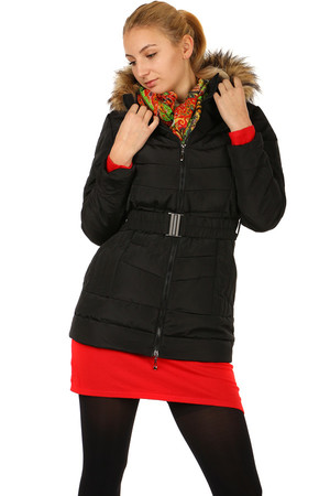 Women's winter quilted jacket with belt. A fur coat on the hood. Use in the city / leisure. Zip fastening. Up to size
