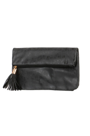 Tassel Rectangular Envelope - A Great Choice of Colors. Turning on two patents. One large zippered pocket inside. The handbag