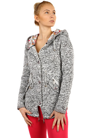 Women's insulated jacket with button fastening and hood. The distinctive pattern of the inside of the hood, which also