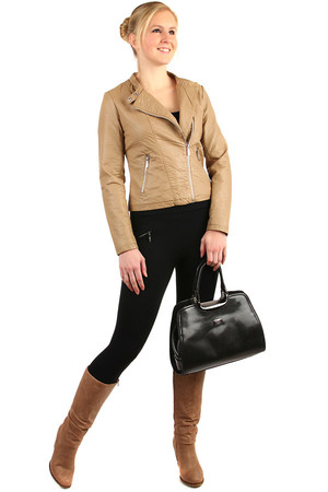 Short leatherette ladies jacket with asymmetrical fastening. Suitable for spring / autumn. Material: upper 60% polyurethane,