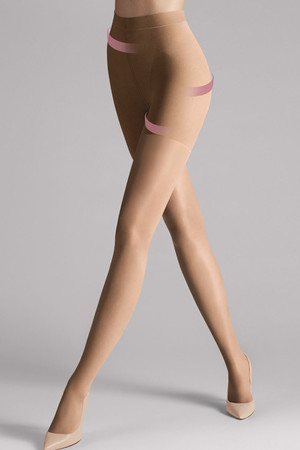 Matt body stockings. Reinforced upper and toes. Softness 40 DEN Material: 88% polyamide, 12% elastane