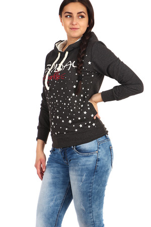 Pleasant leisure print sweatshirt with modern print. Material: 95% cotton, 5% elastane. Import: Turkey
