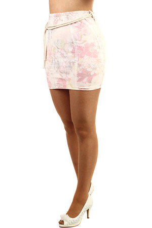 Women's cotton skirt with floral pattern. It includes a decorative cord tape. Short length. Material: 95% cotton, 5%