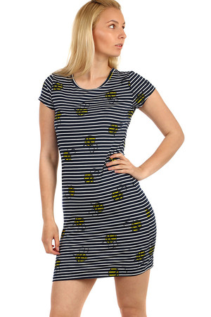 Comfortable women's t-shirt with stripes and print. Material: 90% cotton, 10% elastane.