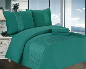 Beautiful, modern bedding with combination of crushed wall. Each pack contains 1pc blanket 200x200cm, 2pcs pillowcase