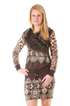Knitted dresses have a distinctive pattern and fur. Rhinestones and rivets are decorated at the front. Drawstring elastic