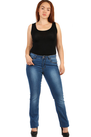 Women's straight cut jeans - also plus size Material: 95% cotton, 5% elastane.