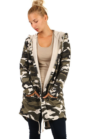 Lightweight camouflage jacket or cardigan without fastening. Extended back. Thanks to free cut suitable for full body.