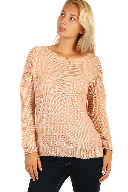Elegant women's knitted sweater