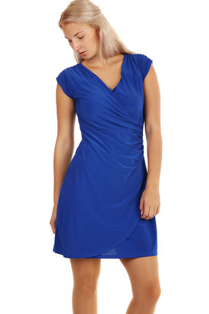 Very elegant formal dress. Wrapping effect conjures a beautiful silhouette. Also suitable for full-bodied characters.