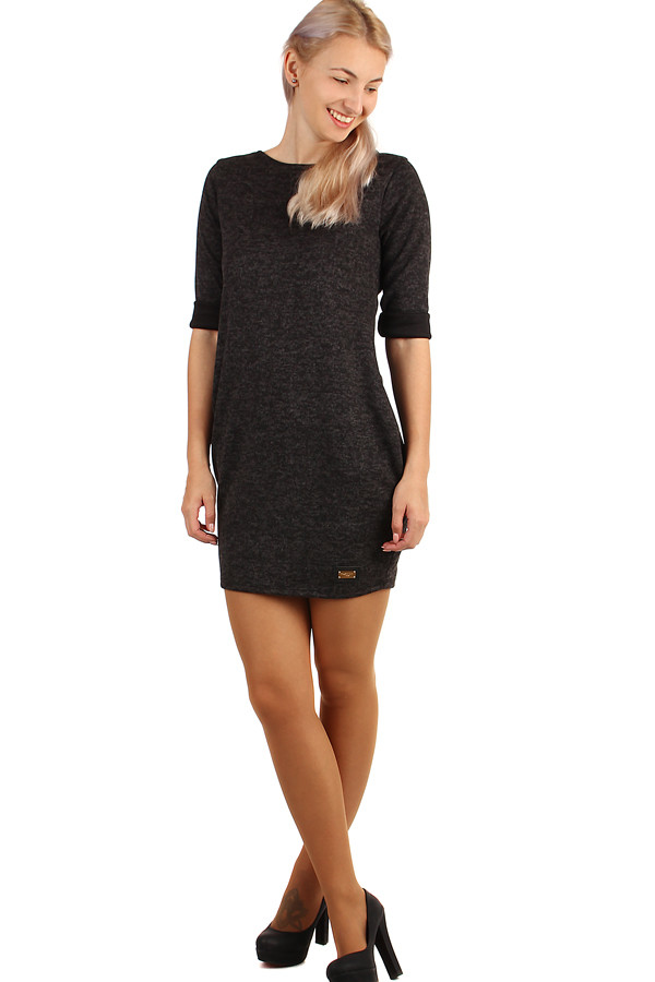Women's knitted dress with pockets