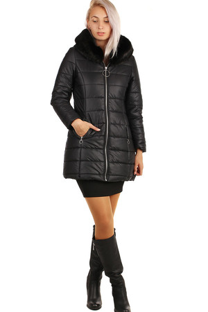 Black quilted ladies jacket with longer cut, with artificial fur on the hood. Zip fastening. Suitable for winter. Material: