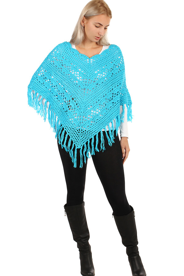 Women's knitted poncho with fringes