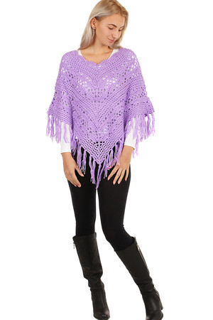 Women's knitted poncho with pattern and fringes. Material: 100% acrylic. Size: 55 cm + 11 cm fringes.