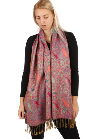 Patterned maxi scarf with fringes. great choice of colors many ways to wear Material: 90% wool, 10% viscose.