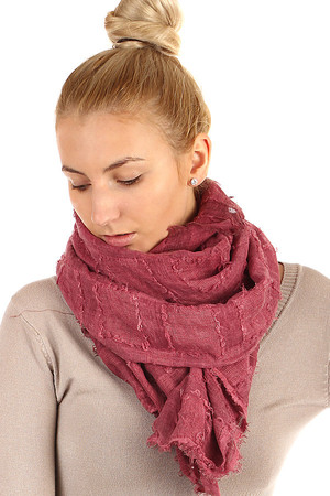 Single color square scarf. Great choice of colors. Material: 80% viscose, 20% cotton.