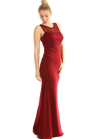 Long evening dress with lace. Extended skirt conjures up a beautiful silhouette. The universal design corresponds to S-L. The