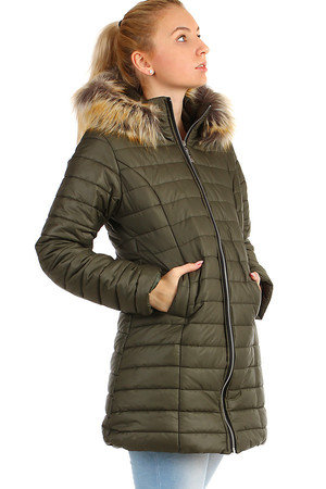 Winter women's quilted jacket jacket with detachable fur hood. Material: 100% polyester. Import: Italy