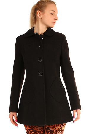 Short woolen coat with distinctive pockets. Modern A-line cut. Button fastening. Suitable for winter. Material: 80% wool, 20%