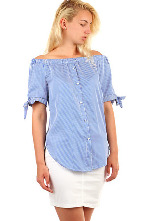 Women's striped blouse with adjustable carmen neckline and short sleeves. Button fastening. Material: 95% cotton, 5%