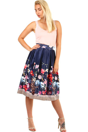 Women's folded midi skirt with floral print. Shiny - satin imitation. Zip fastening. Material: 50% polyester, 50% cotton.