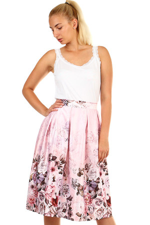 Romantic ladies folded midi skirt with floral print. Shiny design - satin imitation. Zip fastening. Material: 97% polyester,