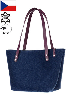 Practical women's bag made of natural felt. Handmade. The handbag has thermal insulation properties due to the material