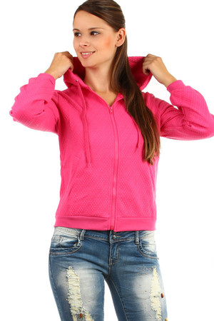One-color quilted zippered sweatshirt. Material: 75% cotton, 20% spandex, 5% elastane