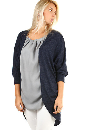 Elegant women's long cardigan with no fastening. The sleeves are three-quarter, annealed. Thanks to its free cut it is