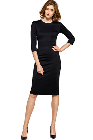 Evening women's dress with a sleeve cut to the knee, with three-quarter sleeves. Elegant dress suitable for both the office