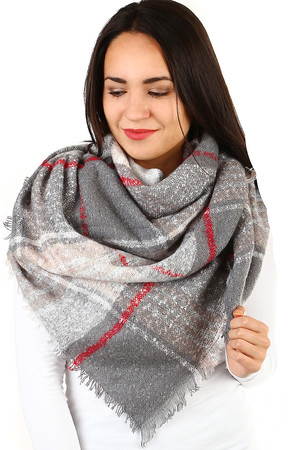 Women's winter checkered maxi scarf rectangular. Warm material suitable for winter. Material: 100% viscose.