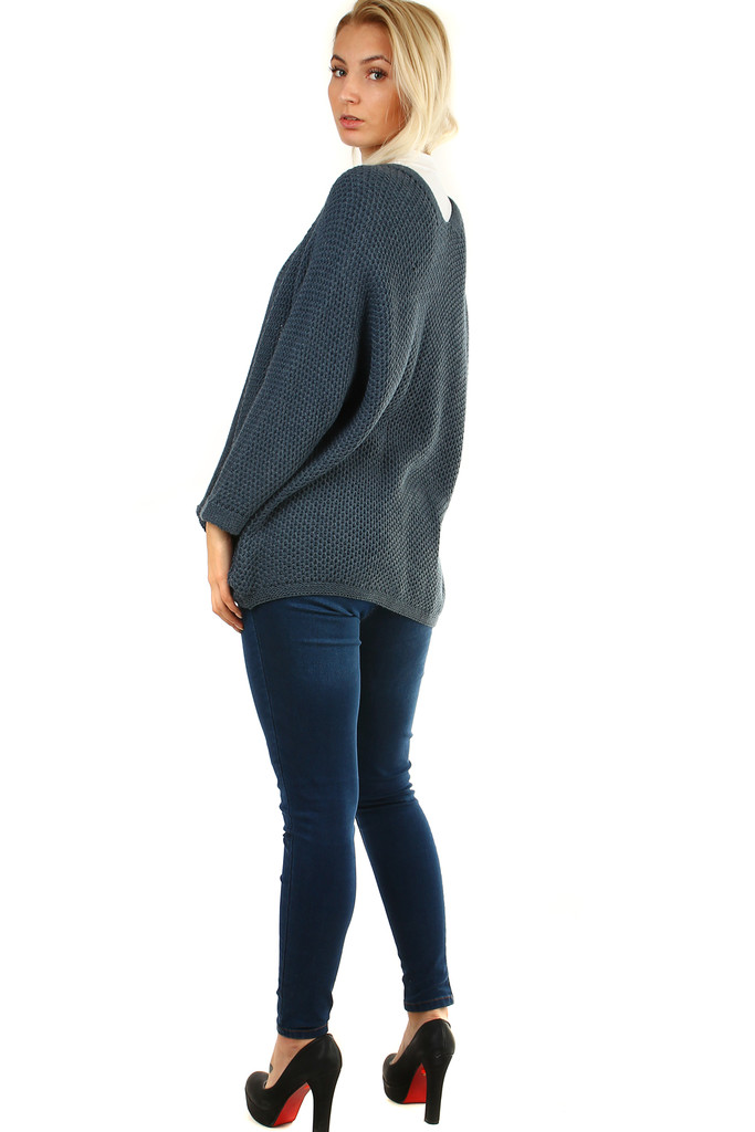 Sweater without fastening