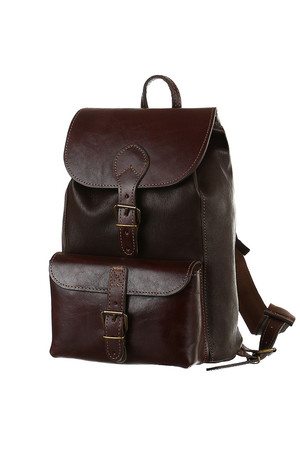 Classic leather unisex backpack of Czech production single-chamber, also suitable for A4 format classic fastening with