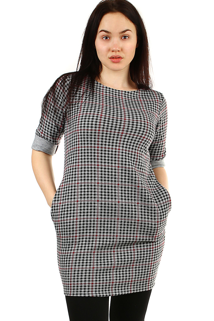 Checkered knitted women's dress