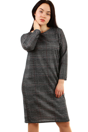 Knitted oversized women's dress looser cut round neckline on the back zip fastener longer sleeve knee length elastic material