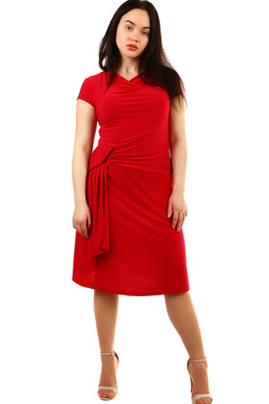 Evening women's dress suitable for full-bodied monochromatic water neckline asymmetrically sewn in the waist area with the